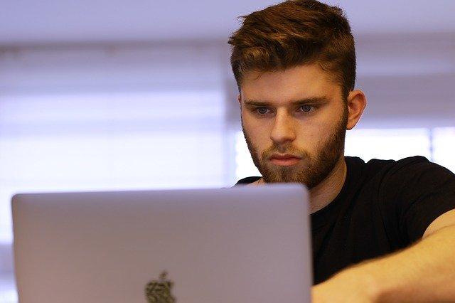 Nauka przed laptopem